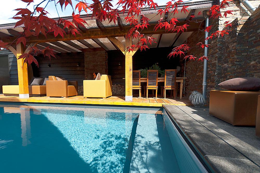 Een wellness relax tuin aan huis zwembad huis - Huis design met zwembad ...