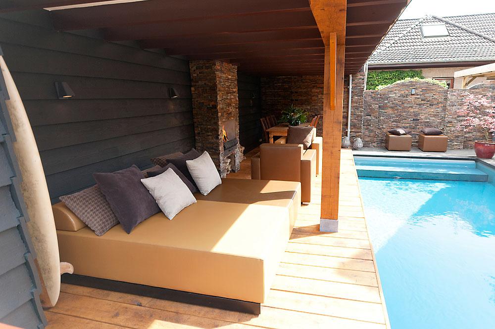 Zwembad huis - Overdekt terras in hout ...