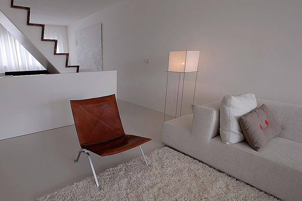 Interieur designer minimalistisch interieur gevuld met for Kantoor interieur ideeen