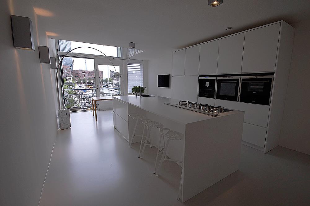 Witte Minimalistische Keuken Ontwerp Voor Een Design Interieur ...