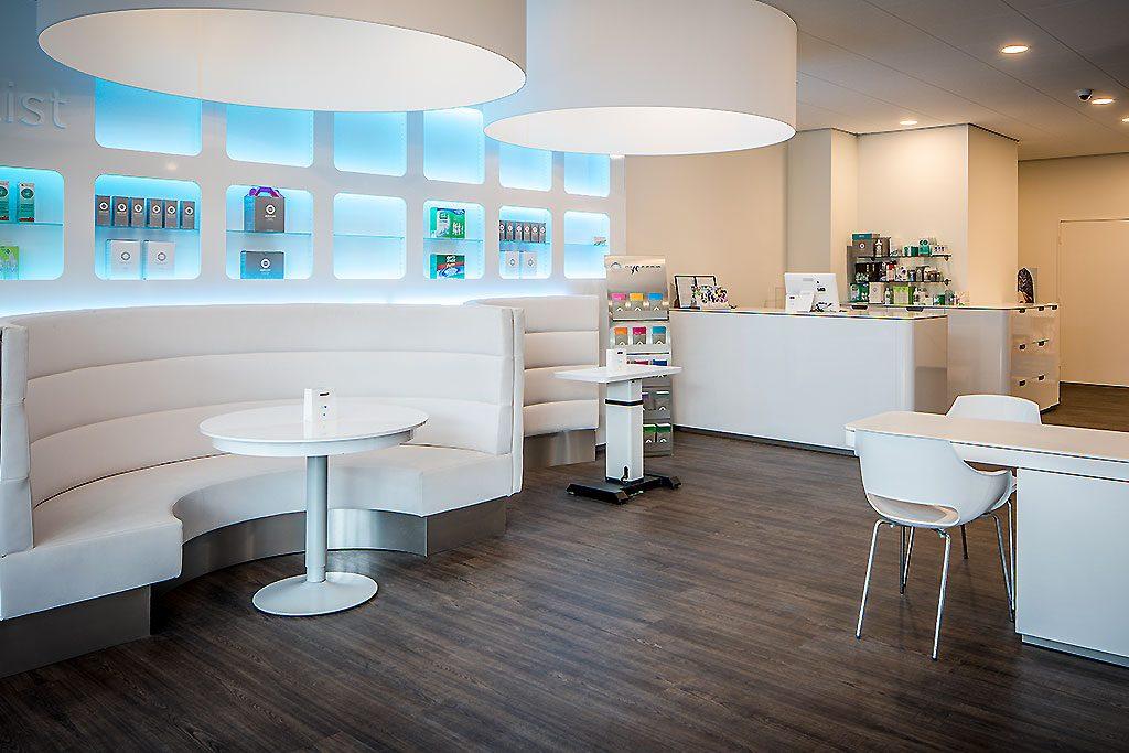 Opticien reyer lafeber retail interieur ontwerp for Interieur ontwerp
