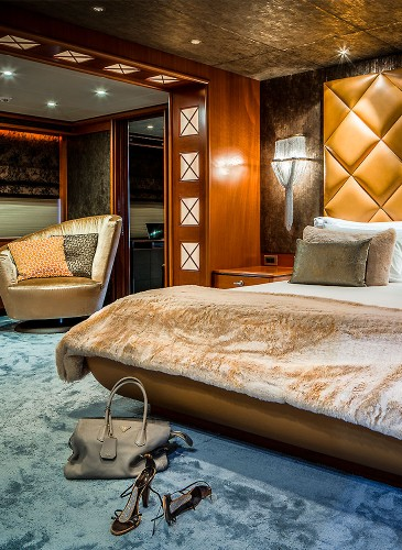 FI-Yacht-bedroom-design