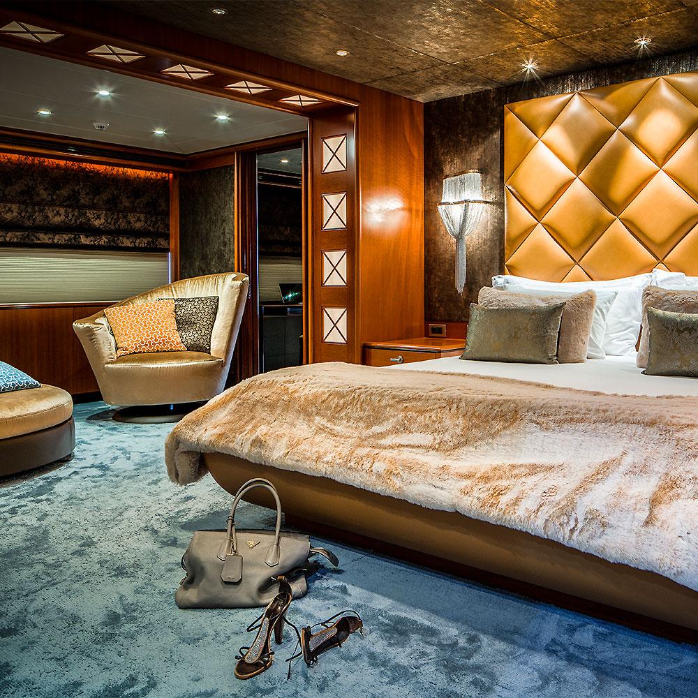 https://www.versteegh-design.com/site/wp-content/uploads/2015/11/FI-Yacht-bedroom-design.jpg