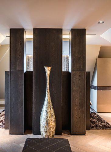 luxurious-turnkey-interior-design-walk-in-closet